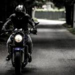 Quels sont les avantages d'un casque de moto adapté ?